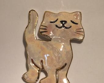 Sassy cat pin