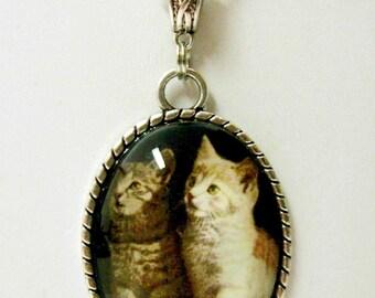 Siblings cat pendant with chain - CAP09-005