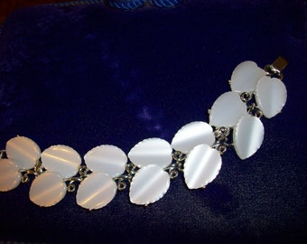 Vintage Lisner 1950 Thermal White Pearlized Wide Cuff Leaf Bracelet