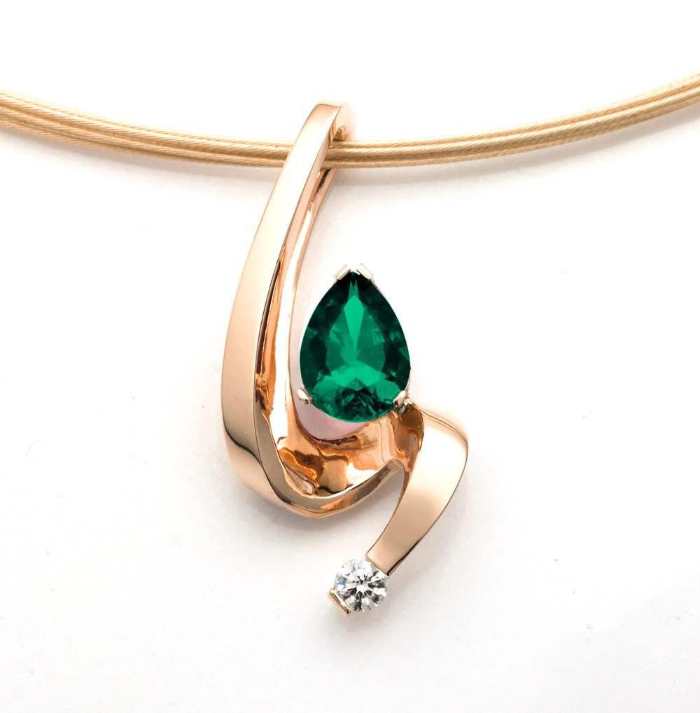 Emerald pendant gold necklace diamond necklace emerald for Fine jewelry diamond pendants