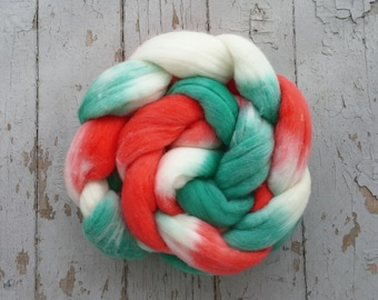 Merino Hand Dyed Roving (Combed Top) Hand Painted 4 oz - Holly Jolly