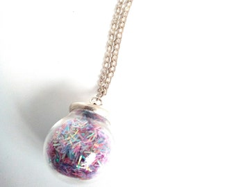 Bubble glass necklace with glitter