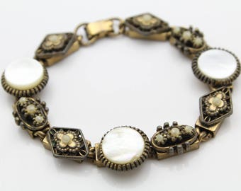 "Vintage Victorian Revival 7"" Bracelet in MOP and Faux Pearl in Gold-Tone Metal. [11975]"