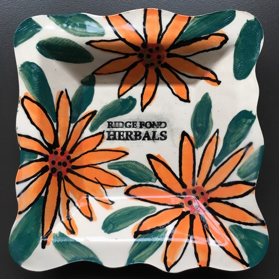 Calendula Tray (with outlined petals)
