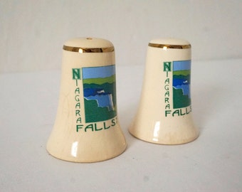 Sweet Old Pair of Vintage Niagara Falls Souvenir Salt and Pepper Shakers