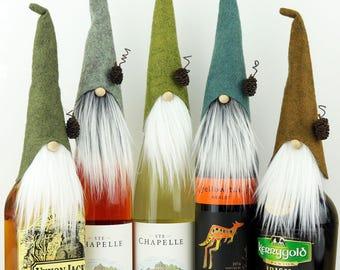 CINQ hauts de forme de vins, hauts de forme de Gnome, Gnome nordique, vin fête, Gnomes, bouteilles, liqueur cadeaux, cadeaux fête du vin