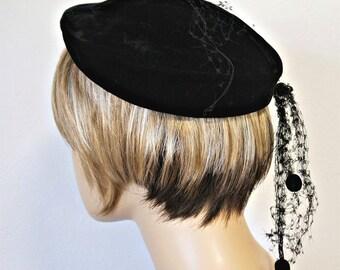 Velvet Hat 1940's 1950's Black Beret Tam Tilt Veil Chapeau Ladies