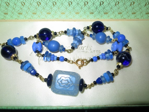 Lovely vintage  blue   art glass necklace 17""