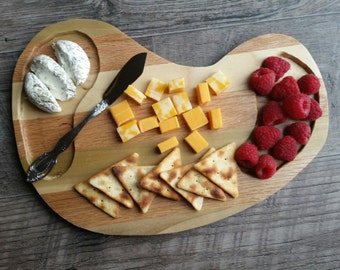 Striped cheese board, cheese tray, serving tray, snack tray, cheese platter, rustic serving tray, rustic platter, party tray rustic kitchen