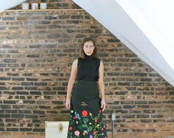 60's Vintage || Embroidered Maxi Skirt || Black Skirt || High Waist Skirt || Folk Hippie Skirt || 0466