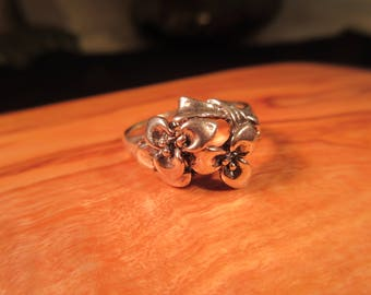 Delicate Sterling Silver Flower Ring - 7.5