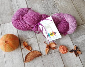Hand dyed yarn, purple pink yarn, OOAK Primula Dipdye colourway, sparkle sock yarn, indie dyed yarn, sock knitting yarn, knitting wool, UK.