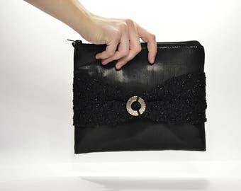 Shiny black clutch with lace and silver plated