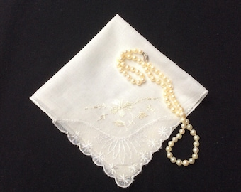 Vintage Wedding Handkerchief, Lace and Embroidered Hankerchief, Floral Hankie, Hanky