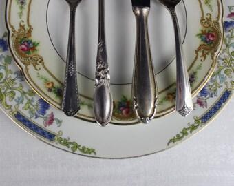 Des assiettes dépareillées et argenterie, cadre de mariage, Chalet Chic et Vintage, vaisselle