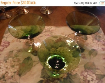 WINe GOBLETS Set of Four Two tone green and amber 7  inches
