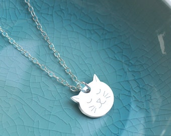 Personalised Sterling Silver Little Cat Face Necklace, silver cat necklace, gift for cat lovers, birthday gift, bridesmaid thank you gift
