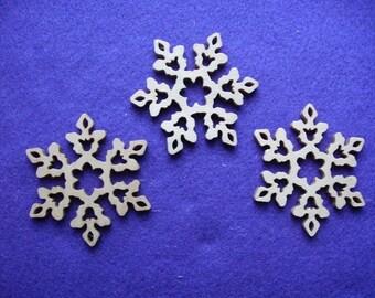 3 snowflakes, wood, 8 cm (14-0002B)