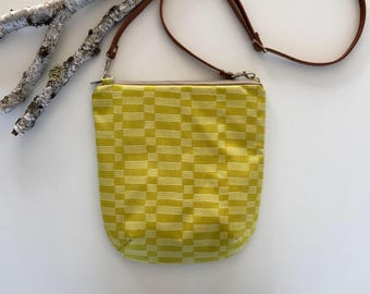 Crossbody Purse // Crossbody Bag // Handmade Purse // Handmade Bag //Fabric Bag // Fabric Purse
