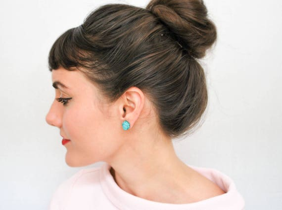 Gordian Knot Earrings / Delicate Earrings Stud Earrings Knot Jewelry Nautical Jewelry Gift for Her Preppy Fashion Mom Gifts Delicate Jewelry