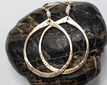 Pearl and Gold Earrings, Gold Hoop Earrings, Hoop Earrings, Teardrop Earrings, Lightweight Earrings, Minimalist Earrings,  gift for her