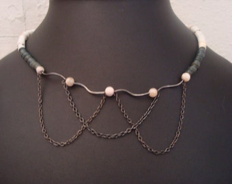 Dangly chain necklace