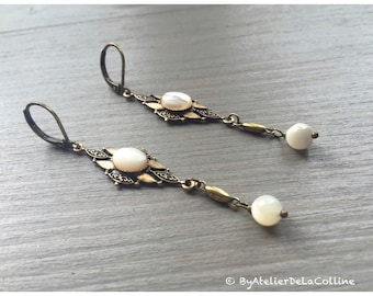 Art deco earrings with mother of pearl cabochon, Isolde collection
