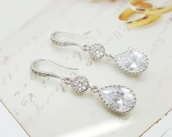 Lovely long dangle Teardrop Crystal Bridesmaid Earrings, Bridal earrings, Bridesmaid Earrings Gift