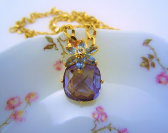 Amethyst necklace. Aquamarine flower pendant. Long gold necklace. Vintage pieces. Gift for her. Shiny necklace. Vintage jewelry. Flower.