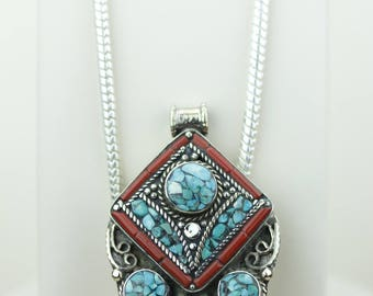 Classy! Cant Let Go! Turquoise Coral Native Tribal Ethnic Vintage Nepal Tibetan Jewelry OXIDIZED Silver Pendant + Chain P4347