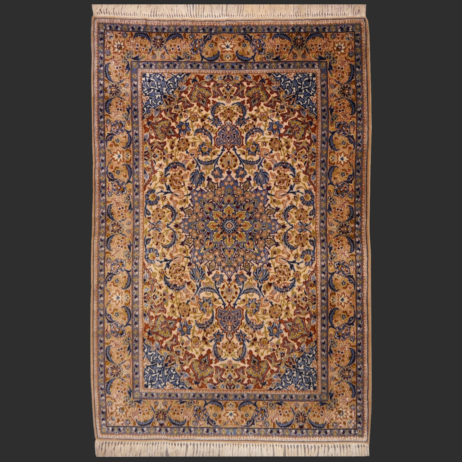 Exquisit Persian Rug Isfahan 5.7 X 3.8 Ft / 168 X 110 Cm Cm