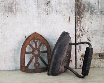Sad Iron, Iron, Vintage Iron, Door stop, # 6 Sad Iron, Kitchen Decor, Laundry Decor, Vintage Iron, Vintage Laundry, Vintage Kitchen
