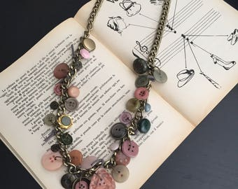 Long Necklace of buttons