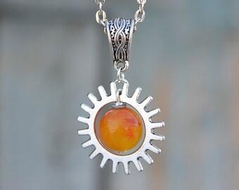 Carnelian round pendant, Carnelian metal pendant, Carnelian fantasy pendant, Carnelian gear pendant, Carnelian steampunk pendant.