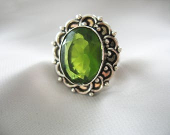 Glass Statement Ring, Chartreuse Green, Large Stone, Silver Tone, Ornate, Faceted Glass, Oval, Antique Silver, Size 8