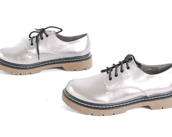 size 9 PLATFORM silver leather 80s 90s GRUNGE CLUB kid lace up ankle boots