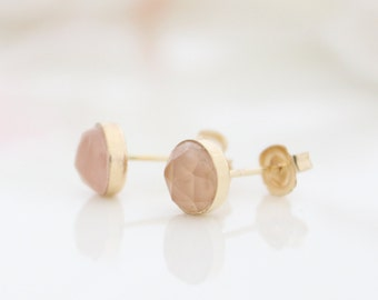 Rose quartz stud earrings • gold post earrings set with rose quartz gemstones • Pastel pink ear studs