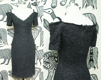 Black Lace Off The Shoulder Dress // 80s Sweetheart Neckline Party Dress // 1980s Lacey Cocktail Dress Size XS Small 2 3