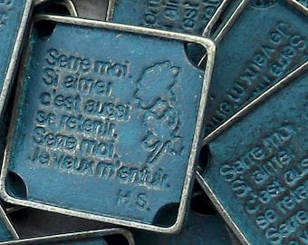5 Serre Moi (Hold Me) Component, Charm or Pendant