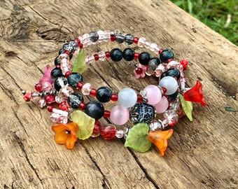 Red Bracelet, Memory Wire Braceled, Boho Bracelet, Red Glass Bracelet, Czech Glass Bracelet, Red Wrap Bracelet, Statement Bracelet, Bohemian