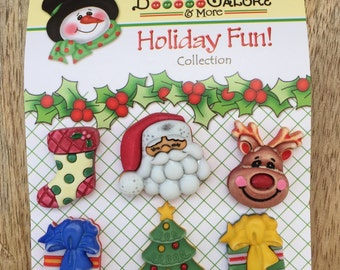 """Holiday Buttons, """"Here Comes Santa"""", Novelty Buttons by Buttons Galore, Holiday Fun Collection Set of 6, Tree, Stock, Santa, Reindeer & More"""