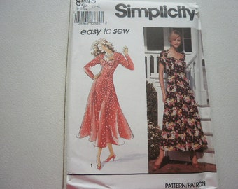 Pattern Ladies Dress 2 Styles Sizes 6 - 10 Simplcity  8245V