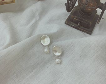 melt&float_Flat Pendant with Pure Pearl Earrings