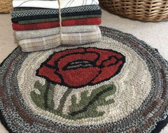 """Primtive Rug Hooking Kit for """"Poppy Chair Pad""""  #K106"""
