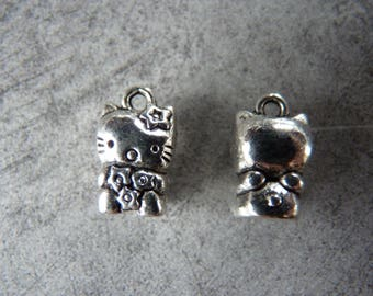 Kitten in a 15mm silver plated charm