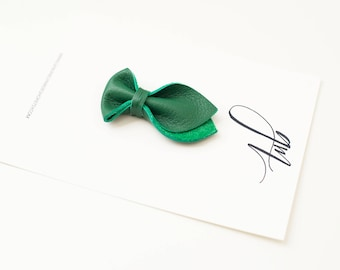 Shamrock Green Tulip Bow
