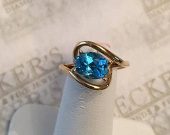Vintage 10k yellow gold Oval 8x6.5mm Blue Topaz Open Top Bypass Ring Size 6, 1.40 ct