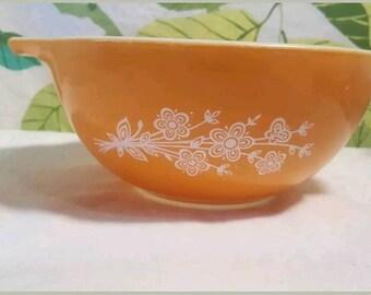 Vintage Pyrex Butterfly Gold Cinderella Bowl #442