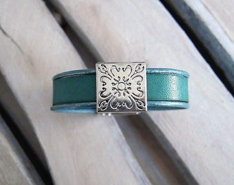 Green leather bracelet with passing dark jade square engraved silver (BR78)
