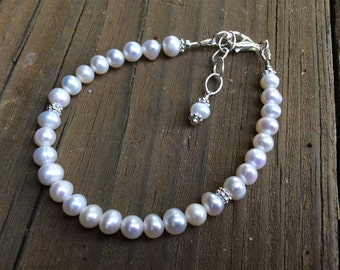 Classic White Pearl Bracelet, Bride's Bracelet, White Freshwater Pearls, June Birthstone, Wedding Jewelry, Birthstone Jewelry